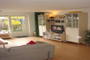 Bekijk woning te huur in Amstelveen Anna Blamanlaan, € 1950, 129m2 - 390717. Geïnteresseerd? Bekijk dan deze woning en laat een bericht achter!