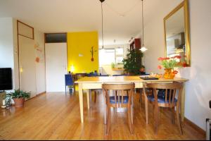Bekijk woning te huur in Tilburg Dr. Nolensstraat, € 995, 100m2 - 335823. Geïnteresseerd? Bekijk dan deze woning en laat een bericht achter!