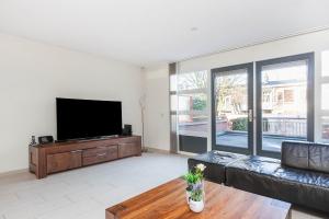 Bekijk woning te huur in Voorburg Jhr. Carel Sternplein, € 3295, 222m2 - 289106. Geïnteresseerd? Bekijk dan deze woning en laat een bericht achter!