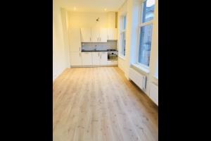 Bekijk appartement te huur in Apeldoorn Van Kinsbergenstraat: Compleet gerenoveerd appartement met 2 slaapkamers, geniet van... - € 950, 70m2 - 333252