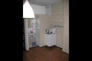 Bekijk kamer te huur in Arnhem Velperweg: Ruime kamer met wastafel! - € 445, 21m2 - 328252