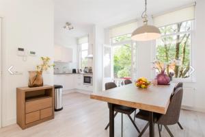 Bekijk appartement te huur in Utrecht Adelaarstraat, € 1750, 95m2 - 387368. Geïnteresseerd? Bekijk dan deze appartement en laat een bericht achter!