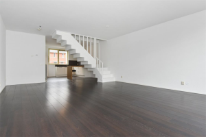 View house for rent in Den Haag Reijerskopstraat, € 1800, 131m2 - 372969. Interested? check out this house and leave a message!