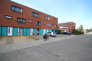View house for rent in Zwolle Beeldsnijderstraat, € 1095, 120m2 - 395100. Interested? check out this house and leave a message!