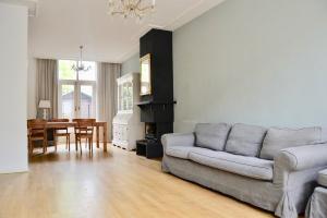 Bekijk woning te huur in Den Haag Cantaloupenburg, € 2995, 123m2 - 349828. Geïnteresseerd? Bekijk dan deze woning en laat een bericht achter!