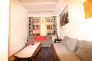 Bekijk appartement te huur in Amsterdam Oude Nieuwstraat, € 1800, 49m2 - 382287. Geïnteresseerd? Bekijk dan deze appartement en laat een bericht achter!