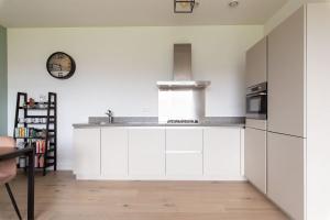 Bekijk appartement te huur in Den Haag Nieuwe Duinweg, € 1150, 73m2 - 381727. Geïnteresseerd? Bekijk dan deze appartement en laat een bericht achter!