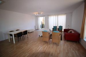 Bekijk woning te huur in Hoofddorp Schoutenhof, € 1500, 200m2 - 388214. Geïnteresseerd? Bekijk dan deze woning en laat een bericht achter!