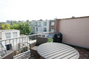 Bekijk appartement te huur in Den Haag Jacob Gillesstraat, € 1250, 70m2 - 384805. Geïnteresseerd? Bekijk dan deze appartement en laat een bericht achter!