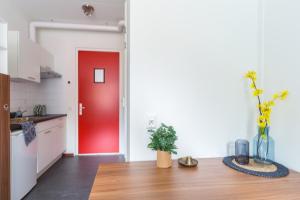 Bekijk studio te huur in Deventer G.L. Ankersmitlaan, € 352, 18m2 - 364701. Geïnteresseerd? Bekijk dan deze studio en laat een bericht achter!