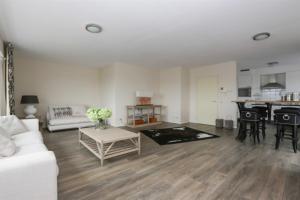 Bekijk appartement te huur in Steyl Waterloostraat, € 1695, 169m2 - 379772. Geïnteresseerd? Bekijk dan deze appartement en laat een bericht achter!