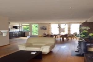 Bekijk woning te huur in Noordwijkerhout Dr Schaepmanlaan, € 1550, 140m2 - 373168. Geïnteresseerd? Bekijk dan deze woning en laat een bericht achter!
