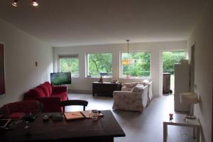Bekijk appartement te huur in Utrecht Sartreweg, € 1750, 79m2 - 364790. Geïnteresseerd? Bekijk dan deze appartement en laat een bericht achter!