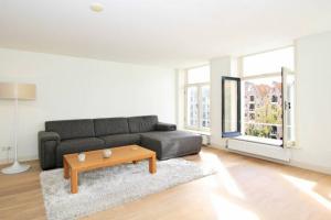 Bekijk appartement te huur in Amsterdam Brouwersgracht, € 2250, 80m2 - 281340. Geïnteresseerd? Bekijk dan deze appartement en laat een bericht achter!