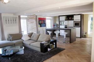 Bekijk woning te huur in Eindhoven Hoogstraat, € 1795, 150m2 - 357742. Geïnteresseerd? Bekijk dan deze woning en laat een bericht achter!