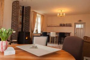 Bekijk woning te huur in Roermond Spik, € 1750, 160m2 - 387496. Geïnteresseerd? Bekijk dan deze woning en laat een bericht achter!