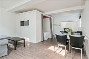 Bekijk studio te huur in Den Bosch Kolperstraat, € 895, 55m2 - 378406. Geïnteresseerd? Bekijk dan deze studio en laat een bericht achter!