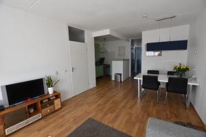 Bekijk appartement te huur in Heerlen Lokerstraat, € 650, 60m2 - 369318. Geïnteresseerd? Bekijk dan deze appartement en laat een bericht achter!