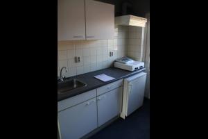 Bekijk kamer te huur in Arnhem Johan de Wittlaan: Leuke dubbele kamer met eigen keuken beschikbaar! - € 484, 42m2 - 333262