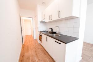 Bekijk appartement te huur in Den Haag Weteringkade, € 850, 34m2 - 382534. Geïnteresseerd? Bekijk dan deze appartement en laat een bericht achter!