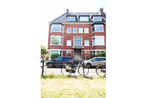Bekijk appartement te huur in Den Haag Pomonalaan: Totaal gerenoveerde bovenwoning met 4 slaapkamers - € 1495, 155m2 - 315195