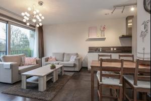 Bekijk appartement te huur in Oosterhout Nb Vrachelsedijk: Schitterend afgewerkt appartement met heerlijk uitzicht - € 875, 52m2 - 319201