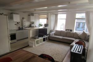 Bekijk appartement te huur in Amsterdam Haarlemmerstraat, € 1650, 63m2 - 378061. Geïnteresseerd? Bekijk dan deze appartement en laat een bericht achter!