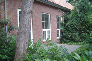 View house for rent in Hoogerheide Nijverheidstraat, € 1250, 100m2 - 379830. Interested? check out this house and leave a message!