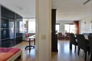 Bekijk appartement te huur in Utrecht A.v. Schendelstraat, € 1425, 72m2 - 366466. Geïnteresseerd? Bekijk dan deze appartement en laat een bericht achter!
