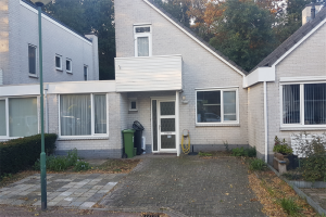 View house for rent in Vught Jachterf, € 1500, 115m2 - 377673. Interested? check out this house and leave a message!
