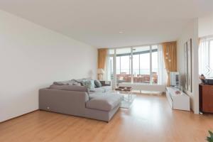 Bekijk appartement te huur in Rijswijk Zh Bogaardplein, € 1575, 105m2 - 384989. Geïnteresseerd? Bekijk dan deze appartement en laat een bericht achter!