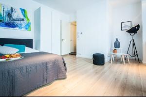 Bekijk studio te huur in Hilversum Lage Naarderweg, € 900, 20m2 - 298339. Geïnteresseerd? Bekijk dan deze studio en laat een bericht achter!