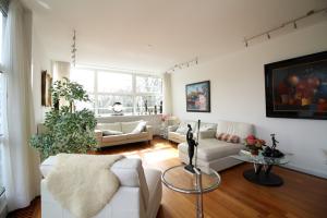 Bekijk appartement te huur in Groningen Verlengde Hereweg, € 2500, 175m2 - 339646. Geïnteresseerd? Bekijk dan deze appartement en laat een bericht achter!