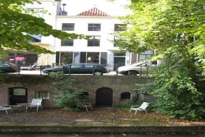 Bekijk studio te huur in Utrecht Nieuwegracht, € 1150, 62m2 - 394738. Geïnteresseerd? Bekijk dan deze studio en laat een bericht achter!