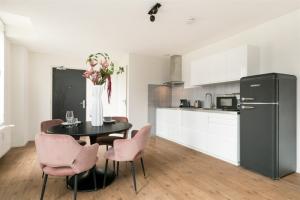Bekijk appartement te huur in Utrecht Donkerstraat, € 1335, 65m2 - 397214. Geïnteresseerd? Bekijk dan deze appartement en laat een bericht achter!