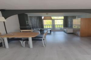 Bekijk studio te huur in Rotterdam Zuidhoek, € 600, 40m2 - 364773. Geïnteresseerd? Bekijk dan deze studio en laat een bericht achter!