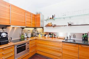 Bekijk appartement te huur in Amsterdam Bogortuin, € 2750, 79m2 - 369421. Geïnteresseerd? Bekijk dan deze appartement en laat een bericht achter!