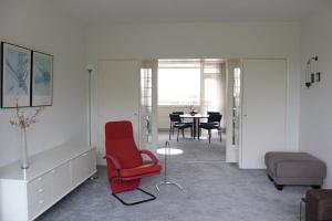 Bekijk appartement te huur in Den Haag Segbroeklaan, € 1050, 72m2 - 372349. Geïnteresseerd? Bekijk dan deze appartement en laat een bericht achter!