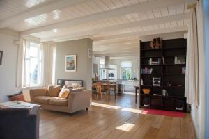 Bekijk woning te huur in Amsterdam Bloemendalergouw, € 2500, 160m2 - 387606. Geïnteresseerd? Bekijk dan deze woning en laat een bericht achter!