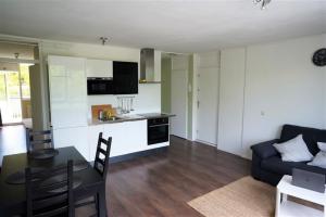 Bekijk appartement te huur in Amsterdam Haarlemmerweg, € 1575, 55m2 - 366303. Geïnteresseerd? Bekijk dan deze appartement en laat een bericht achter!