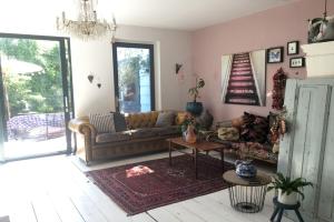 Bekijk woning te huur in Amsterdam H. Stolleplantsoen, € 2200, 160m2 - 340904. Geïnteresseerd? Bekijk dan deze woning en laat een bericht achter!