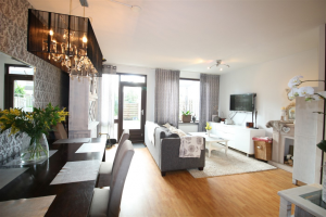 View house for rent in Amstelveen Kotter, € 1675, 130m2 - 382405. Interested? check out this house and leave a message!