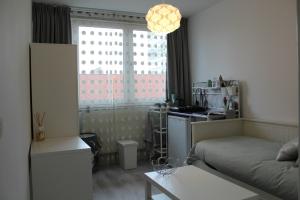 Bekijk kamer te huur in Amsterdam Akerwateringstraat, € 650, 15m2 - 356819. Geïnteresseerd? Bekijk dan deze kamer en laat een bericht achter!