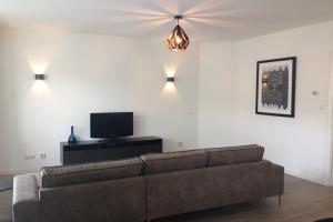 Bekijk appartement te huur in Amsterdam Hunzestraat: Gerenoveerd appartement - € 1690, 60m2 - 343600
