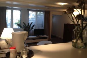 Bekijk appartement te huur in Amsterdam Singel, € 1500, 32m2 - 355777. Geïnteresseerd? Bekijk dan deze appartement en laat een bericht achter!