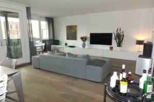 Bekijk appartement te huur in Amsterdam Johan Hofmanstraat, € 1750, 96m2 - 379243. Geïnteresseerd? Bekijk dan deze appartement en laat een bericht achter!