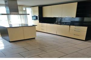 Bekijk appartement te huur in Rozenburg Zh Ruygeplaat, € 1250, 76m2 - 391326. Geïnteresseerd? Bekijk dan deze appartement en laat een bericht achter!