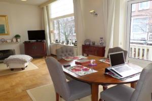 Bekijk appartement te huur in Den Haag V. Slingelandtstraat, € 1500, 100m2 - 364092. Geïnteresseerd? Bekijk dan deze appartement en laat een bericht achter!