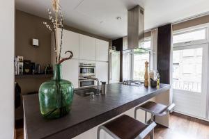Bekijk appartement te huur in Amsterdam Warmondstraat, € 2100, 100m2 - 368012. Geïnteresseerd? Bekijk dan deze appartement en laat een bericht achter!