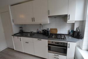 Bekijk appartement te huur in Amsterdam Spaarndammerstraat, € 1395, 55m2 - 367585. Geïnteresseerd? Bekijk dan deze appartement en laat een bericht achter!